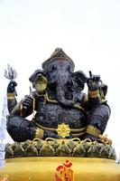 statuut van ganesha, god van hindoe, staal foto