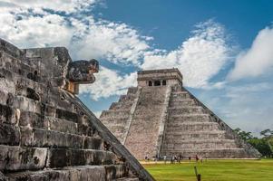 el castillo of tempel van kukulkan piramide, chichen itza, yucatan foto
