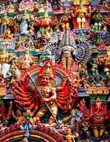 standbeelden van meenakshiamman tempel foto