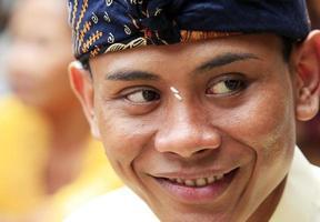 Bali bruidegom foto