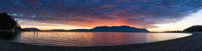 panorama van het eiland foto