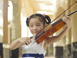 viool meisje foto