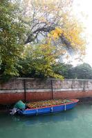 beroemde Venetië met boten in Italië foto