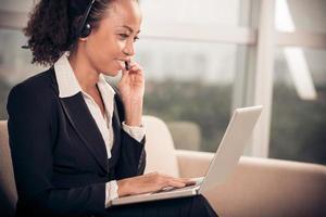 zakenvrouw in een headset foto