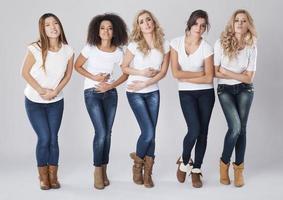 vrouwen met enorme maandelijkse buikpijn foto