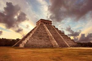 kukulkan piramide foto