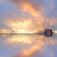 zonsondergang zee en lucht. foto