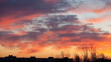 ochtendhemel in de stad foto