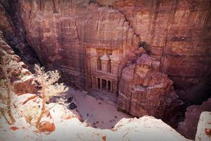 de schatkist. oude stad van petra, jordanië foto