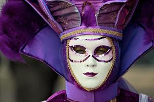 maskers bij carnaval van venetië op mardi gras foto
