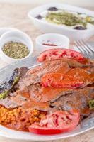 traditioneel Turks Döner kebab vlees foto
