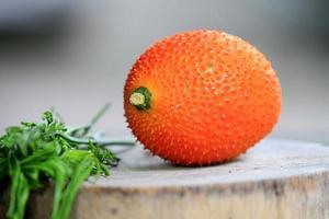 Zuidoost-Aziatisch fruit, algemeen bekend als gac, baby jackruit foto