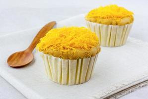 gouden draden op zachte cupcake de Thaise desserts