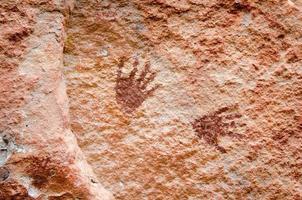 abstracte kunst bij pha taem prehistorische klifschildering foto