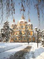 zenkov kathedraal in almaty, kazachstan foto