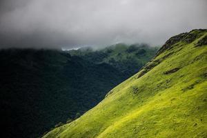 laos groene berg foto
