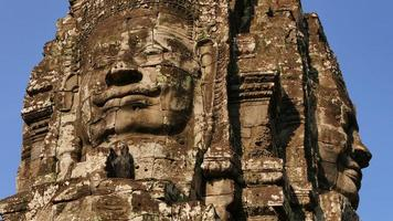 bayon tempel van angkor thom in kambodja