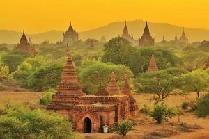 tempels van bagan, myanmar foto
