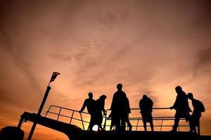 silhouet van de mensen foto