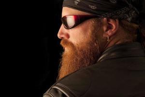 biker in het zwart foto