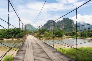 op de weg in laos foto