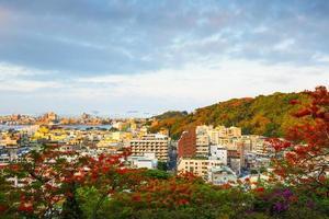 uitzicht over de stad in taiwan - kaohsiung foto