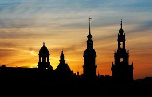 zonsondergang op dresden - Duitsland foto