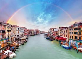Grand Canal - Venetië vanaf de Rialtobrug