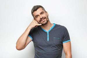 concept voor emotionele man met baard foto