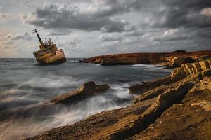 schipbreuk van edro iii in cyprus