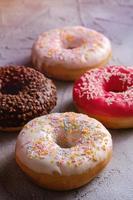 donuts met meerdere smaken en hagelslag
