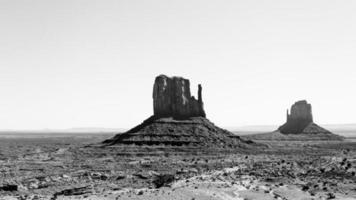 twee wanten in monument valley, az foto