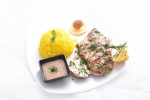 gegrilde kip met kabsa rijst foto