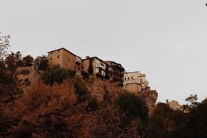 huizen op een klif foto