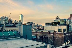 skyline van de stad vanaf het dak foto