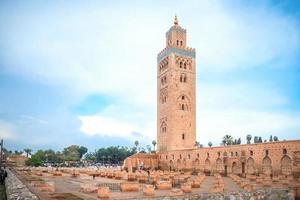een zicht op de koutoubia-moskee foto