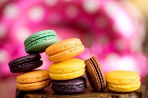 kleurrijke macaron-koekjes