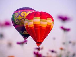 kleurrijke heteluchtballonnen foto