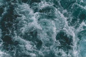 oceaan golven van bovenaf foto