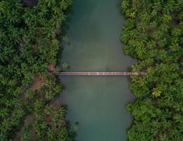 luchtfoto uitzicht over de brug