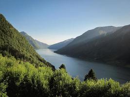 landschapsmening van sognefjord foto