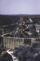 grijze betonnen muur foto