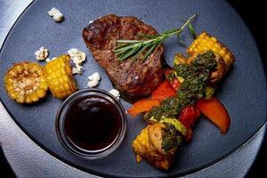 gegrild vlees met groenten foto