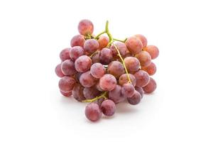 verse druiven op witte achtergrond foto