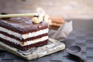 gelaagde chocoladetaart foto