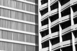 architectuurfotografie van wit gebouw foto