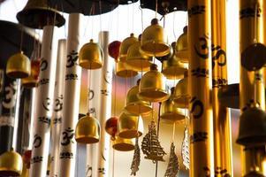 goudkleurige klokkenspel foto