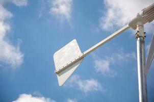 close-up van windturbine die alternatieve energie produceert foto