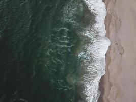 luchtfotografie van kust foto