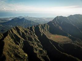 landschapsfotografie van bergen van bovenaf